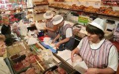 """Biznesi i vogël në vështirësi, po """"mbytet"""" nga supermarketet"""